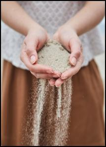 Bildverkstad Hand in Sand Poster